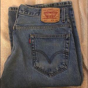 Levi's 517 jeans